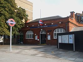 Bow Road stn building.JPG