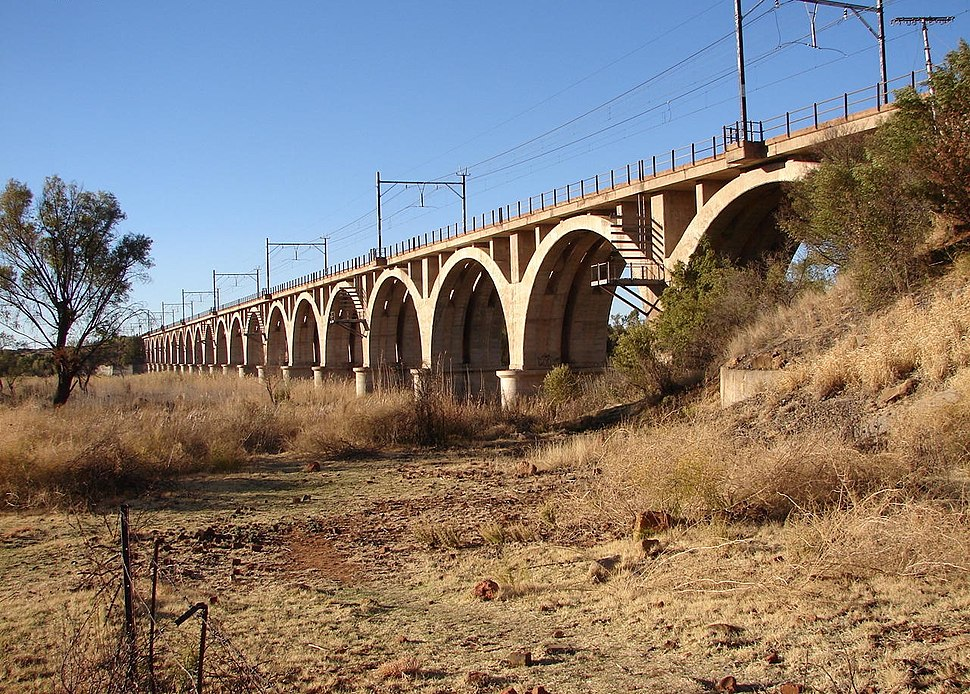Railway bridge across the Vaal River at Warrenton