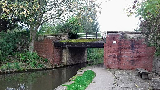 Bridge number 15 over the Macclesfield Canal, Higher Poynton
