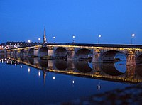 Bridge over Loire.jpg