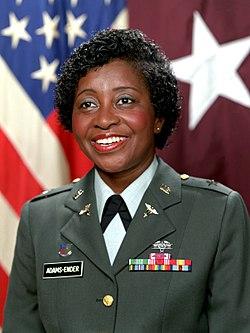 Generał brygady Clara L. Adams-Ender.jpg