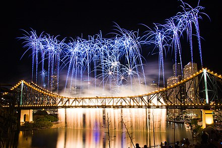 Riverfire at the Story Bridge Brisbane Riverfire 2009 Bridge.jpg