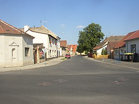 Brnany LT CZ crossroads view towards E 197.jpg