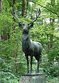 Bronzehirsch, von Theodor Georgii, Bavariapark Muenchen-1.jpg