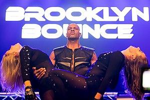 Brooklyn Bounce - Image: Brooklyn Bounce 2016255022841 2016 09 10 Sunshine Live Die 2000er Live on Stage Sven 1D X II 0956 AK8I9264 mod