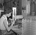 Bundesarchiv B 145 Bild-F011612-0009, Brühl, Glasveredelungsfirma.jpg