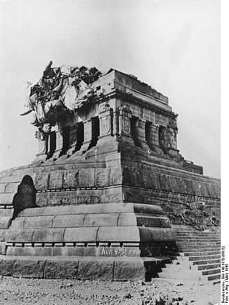 Deutsches Eck - Destroyed statue in 1945