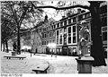 Bundesarchiv Bild 183-1986-0118-004, Dresden, Straße der Befreiung, Winter, Nacht.jpg