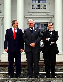 Prodi poses with Swedish Prime Minister Göran Persson and George W. Bush at Gunnebo Slott near Gothenburg, Sweden, June 14, 2001.