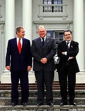 EU Summit 2001 - Göran Persson (in the middle) with George W. Bush and Romano Prodi in Gothenburg, 14 June 2001.