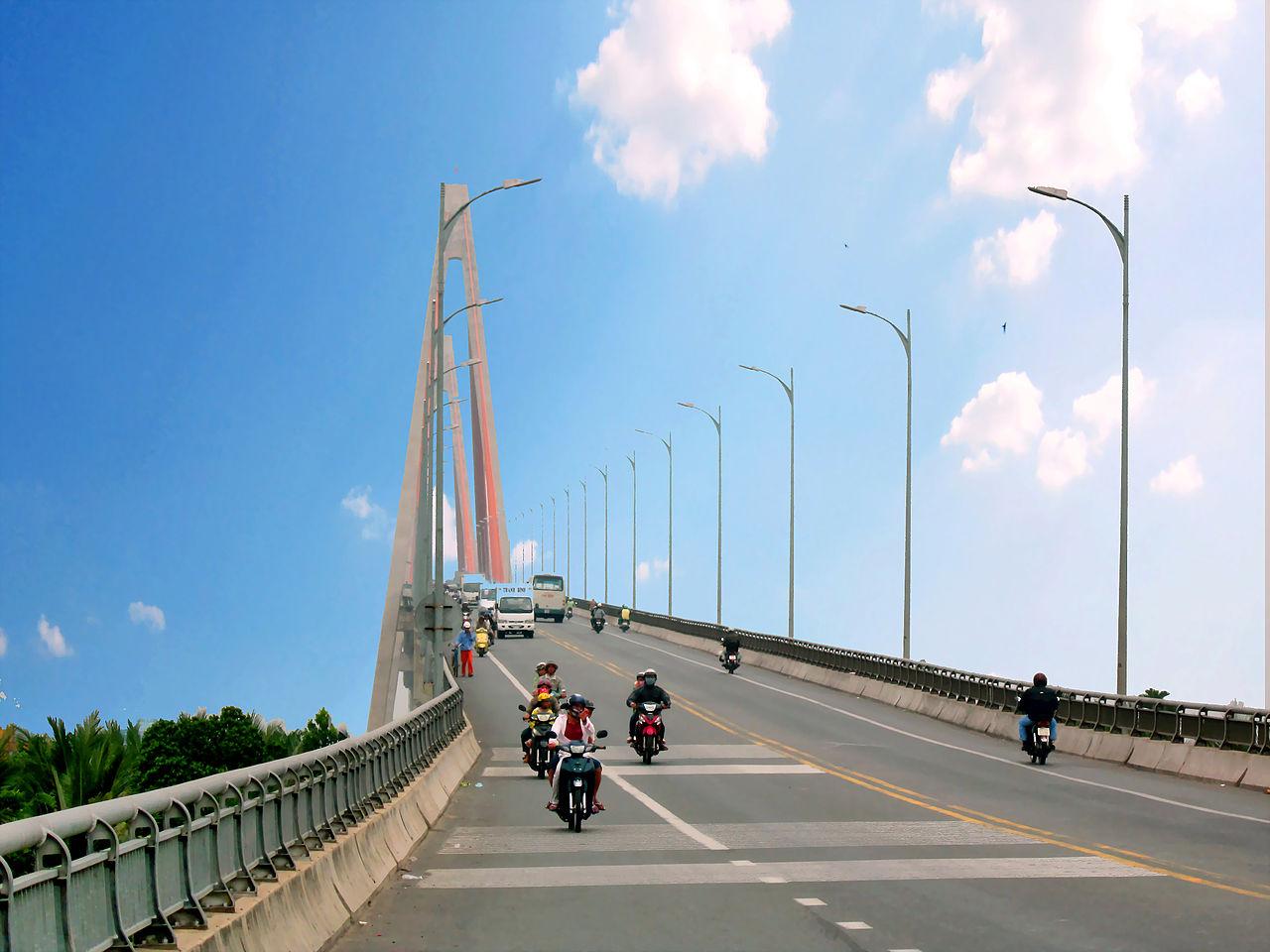 Cầu Rạch Miễu ở huyện Châu Thành, Bến Tre. Ảnh Wikipedia