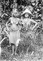 COLLECTIE TROPENMUSEUM Twee vrouwen uit de Katorai-baai Siberoet Mentawai-eilanden TMnr 10005486.jpg