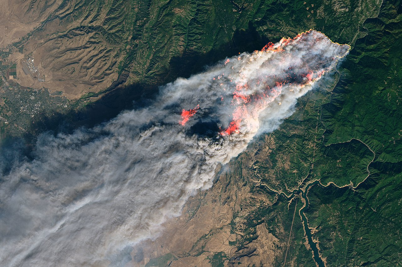Camp Fire oli 2018312 Landsat.jpg