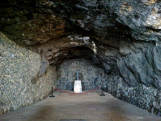 Cave of Achbinico - Image: Canaries Tenerife Candelaria Punta San Blas Ermita Cueva panoramio