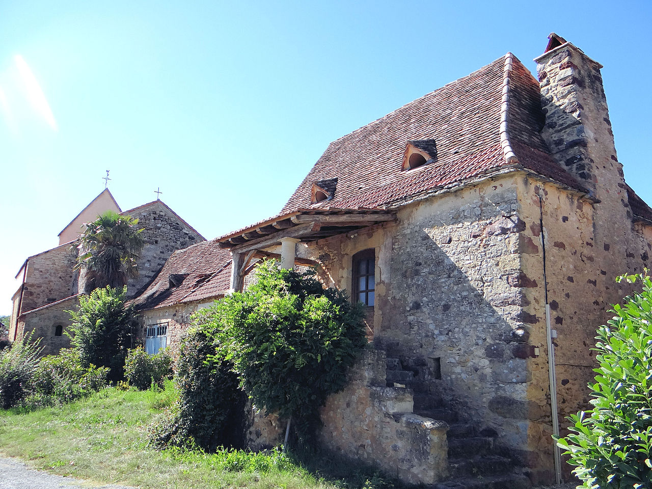 Maisons du village de Carves.