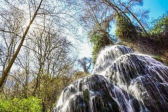 Cascada en el Parque Natural del Monasterio de Piedra.jpg