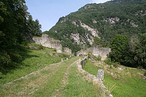 Letzi - Image: Castelmur Talsperre