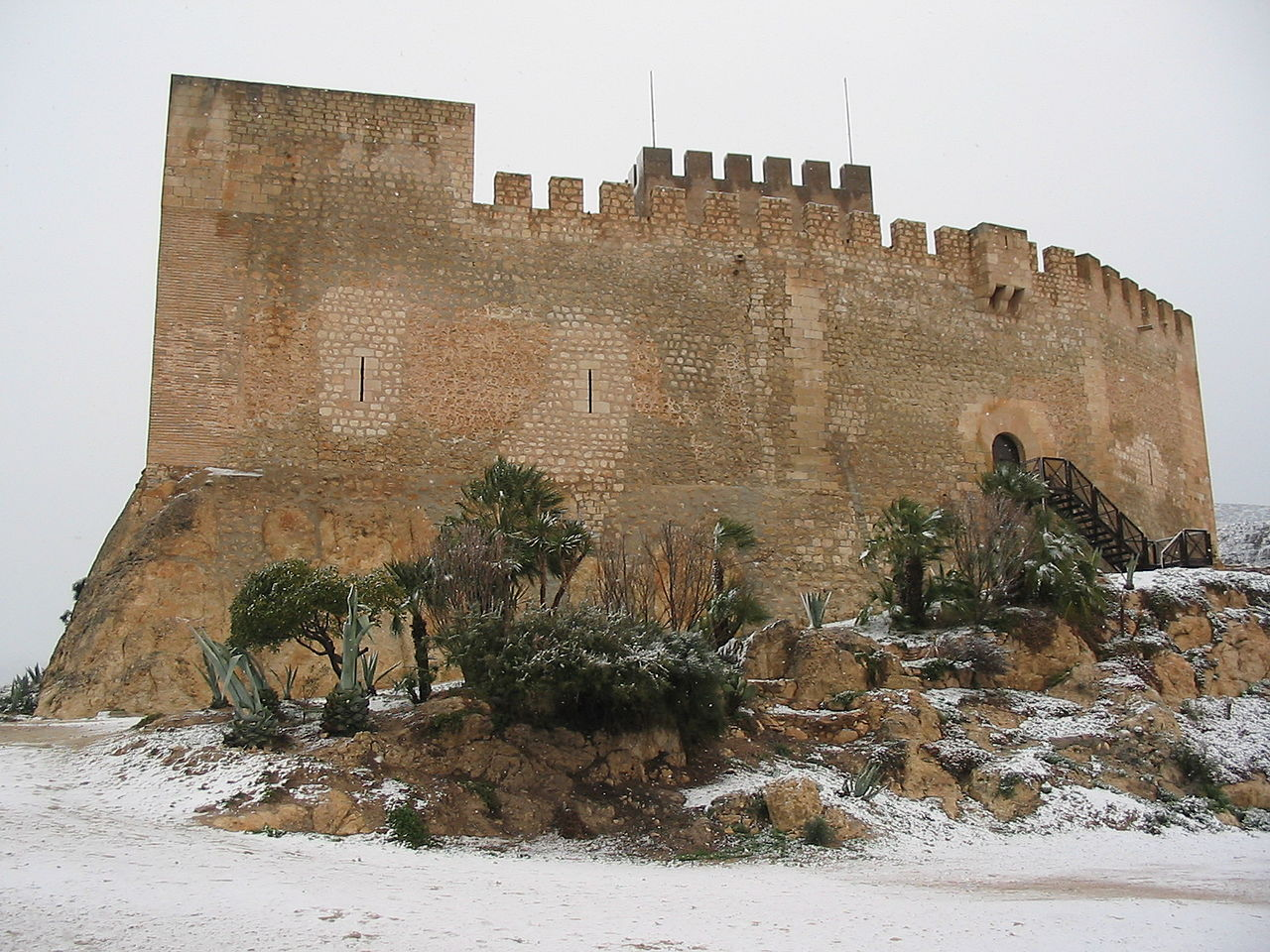 El Castillo de Petrel durante la nevada del 28 de enero de 2006