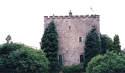 How to get to Closeburn Castle with public transport- About the place