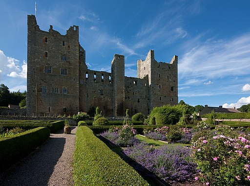 Castle Bolton IMG 8930 - panoramio