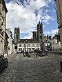 Cathédrale de Laon vue de loin.jpg
