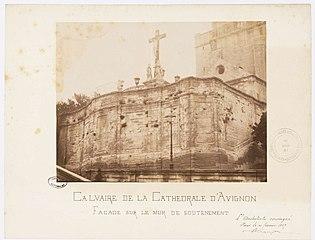Photographie du calvaire du pater de la cathédrale d'Avignon