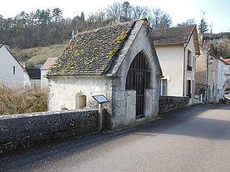 Mailly-le-Château - Image: Chapelle Saint Nicolas de Mailly le Château 2
