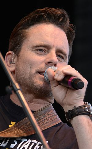 Charles Esten - Esten at a June 2016 concert.