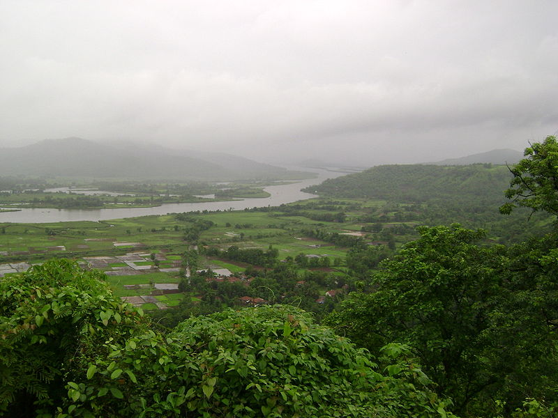 File:Chiplun scenery from Parshuram Ghat 03.JPG