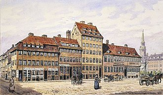 Christianshavns Torv - The south-west side of the square. The building with the police station is seen to the right while the building in the middle was the tallest residential building in Christianshavn at the time