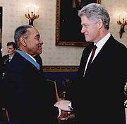 Clinton congratulates Medal of Honor recipient Vernon Baker