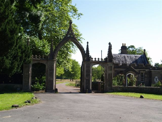 Clytha Park Main gates - geograph.org.uk - 490415