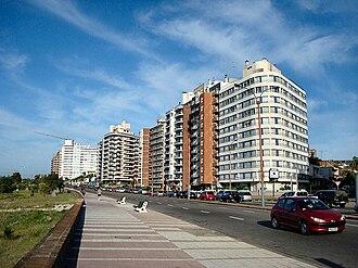 Malvín - Malvín along the coast
