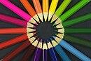 SOBRE AS CORES, FIQUE POR DENTRO DO ASSUNTO! 130px-Colouring_pencils
