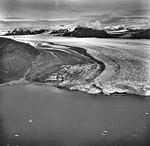 Columbia Glacier, Calving terminus, August 24, 1968 (GLACIERS 1007).jpg