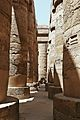 Columnas de karnak-2007.JPG
