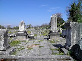 Corinthian temple dedicated to Antoninus Pius in the north-west corner of the Forum, Philippi (7272458210).jpg