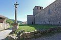 Croix et Eglise Sainte-Marie de Veyrines.jpg