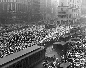 Boater - A sea of boaters in New York's Times Square, July 1921