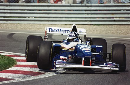 Damon Hill driving for the Williams Formula One team in Montreal in 1995 Damon Hill 1995-2.jpg