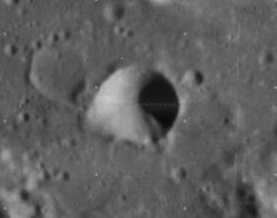 De Morgan crater 4090 h1.jpg