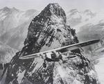 ETH-BIB-Matterhorn mit Fokker IV, Montage, Rimpfishorn, Strahlhorn v. S. W. aus 4400 m-Inlandflüge-LBS MH01-006261.tif