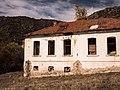 Ehemalige Schule in Dabnica (Nordmazedonien).jpg