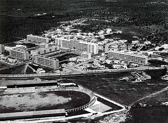Extension of the city in the 1950s with the district of El Menzah El menzah 1955.jpg
