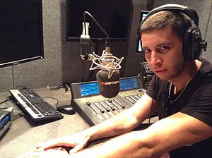 Example (musician) - Image: Elliot John Gleave during radio interview