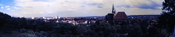 Erfurt Panorama 1990-07-02.jpg