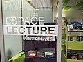 Espace lecture, Hôpital Necker-Enfants malades, Paris novembre 2020 01.jpg