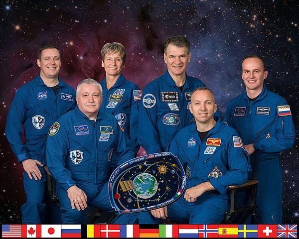 Expedition 52 crew