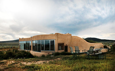Exterior Jacobsen House Earthship 2009