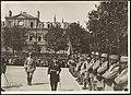 Fête nationale 1916, revue du 137e régiment d'infanterie territoriale par le contre-amiral Varney, gouverneur de la place - place Carnot.jpg